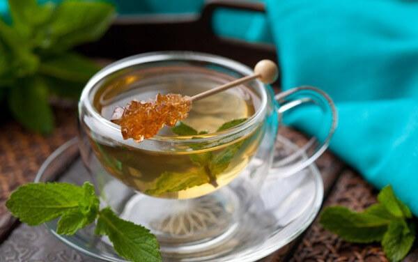 Giảm cân bằng hỗn hợp mật ong và trà xanh