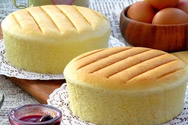 2 cách làm bánh bông lan bằng bột mì đa dụng đơn giản ngay tại nhà