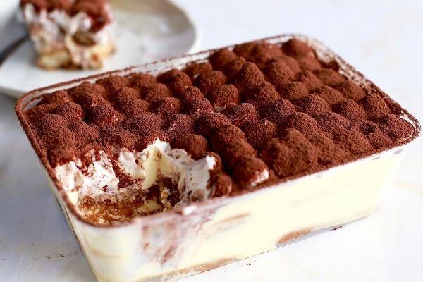 Bánh Tiramisu cheesecake sau khi đã hoàn thành.