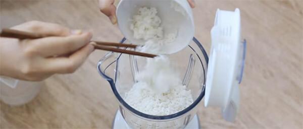 Xay bột làm bánh