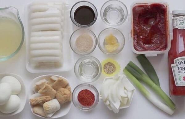 Cách làm bánh gạo cay Việt Nam kiểu Hàn Quốc
