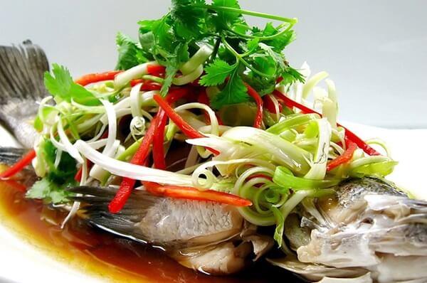 Cá diêu hồng hấp xì dầu là món ăn khoái khẩu của nhiều gia đình