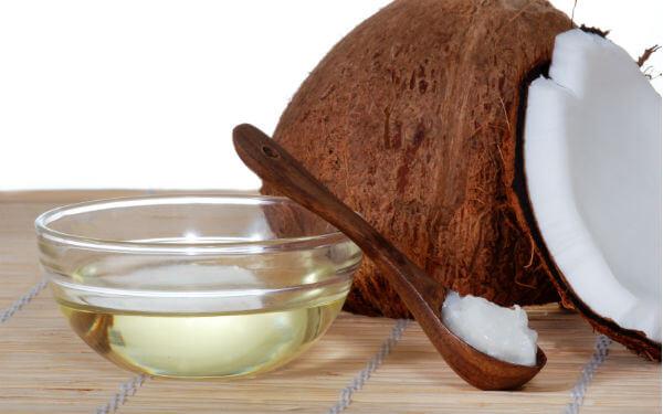 50 tác dụng tuyệt vời của dầu dừa dưỡng da mặt