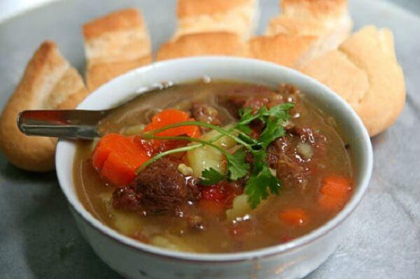 Bật mí công thức cách nấu thịt bò sốt vang thơm lừng