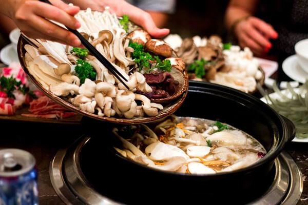 Thưởng thức món lẩu nấm – cách nấu lẩu nấm