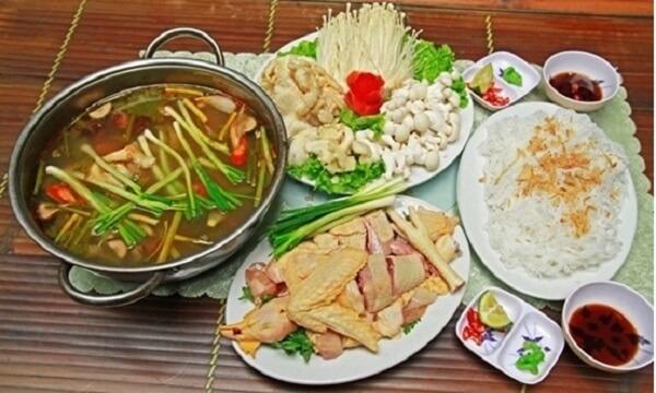 Cách nấu lẩu Thái với thịt gà