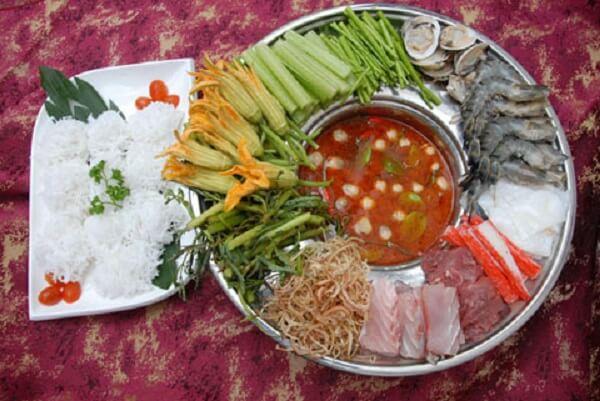 Lẩu Thái là một trong những món nổi tiếng của Thái Lan