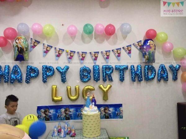 Trang trí sinh nhật cho con gái chủ đề Elsa