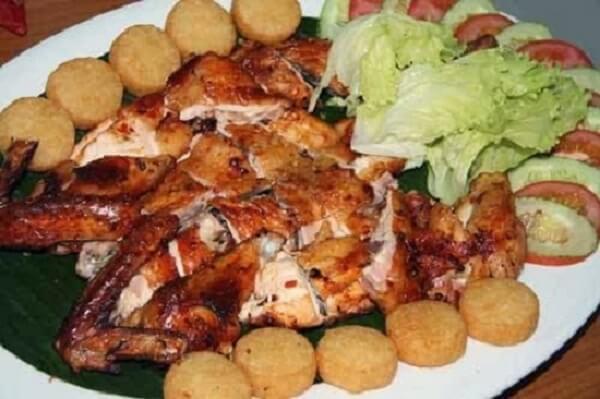 Thịt gà thơm ngon, da mịn và láng