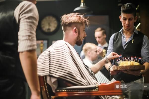 Tiệm cắt tóc Duy Minh – Phạm Ngọc Thạch.