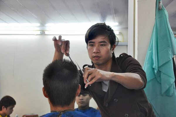 Tiệm cắt tóc Tiến Đạt Hair Salon.