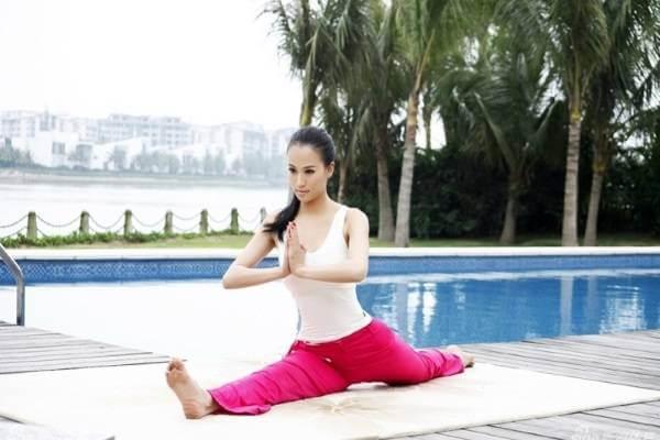 Những bài tập Yoga giảm mỡ bụng và đùi cho người mới tập siêu nhanh
