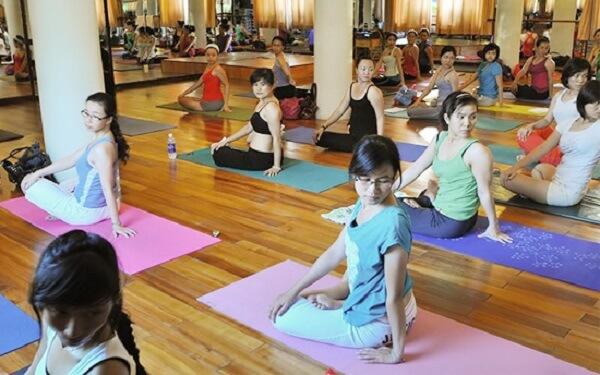Cau lac bo yoga 42 quan 6, quan 11, lớp yoga cho bà bầu tphcm, noi tap yoga o tphcm