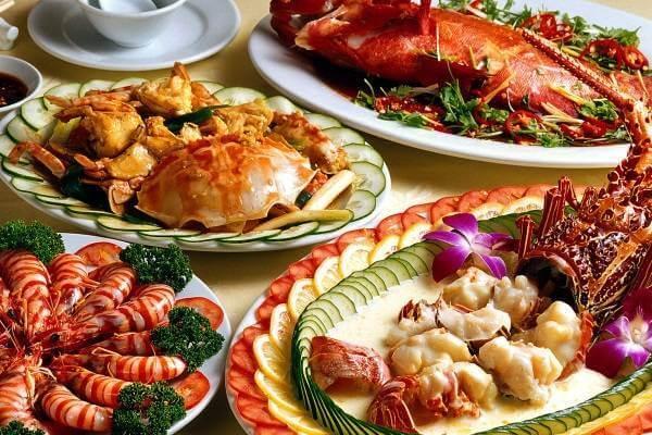 Danh sách những quán chuyên phục vụ hải sản tươi ngon.