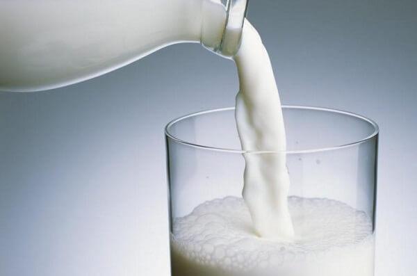 Sữa tươi không đường có tác dụng gì với da mặt? Rửa mặt bằng sữa tươi có được không?