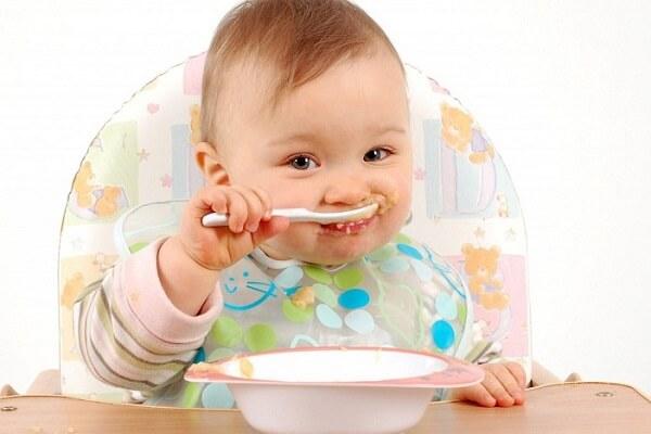 Ăn dặm kiểu Nhật bắt đầu khi nào? Khi trẻ bắt đầu muốn ăn (khoảng từ 5 tháng và đừng để quá 7 tháng)