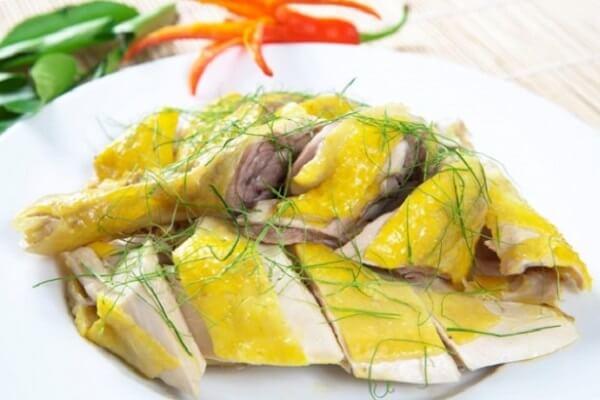 Các món ăn cổ truyền ngày Tết miền Bắc – Thịt gà luộc