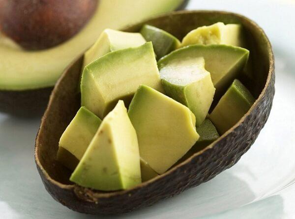 Trong bơ có chứa rất nhiều vitamin và dưỡng chất. Ảnh: Internet