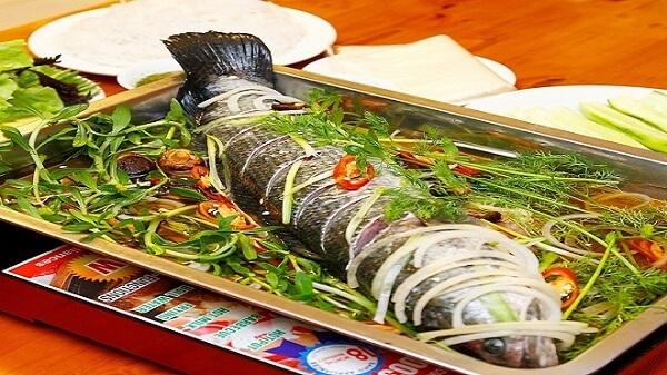 Cá hấp sả ớt có vị ngon ngọt của cá cùng vị cay cay của sả ớt