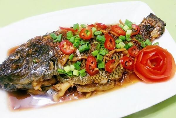 Cách nấu cá rô phi sốt cà chua
