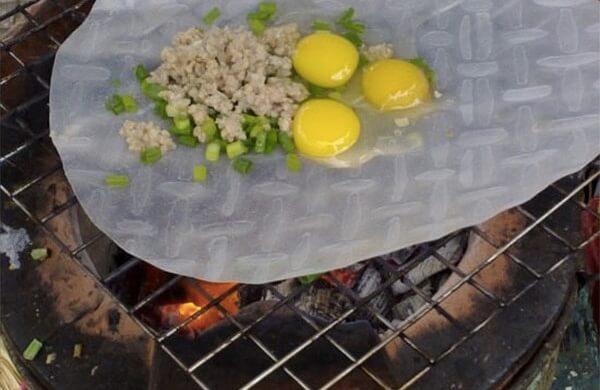 Nướng bánh tráng – cách làm bánh tráng nướng đà lạt