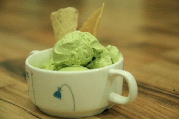 Món kem trà xanh thơm ngon sau khi đã hoàn thành – cach lam kem tra xanh