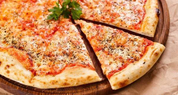 Hướng dẫn cách làm bánh pizza bằng cháo chống dính đơn giản mà ngon nhé