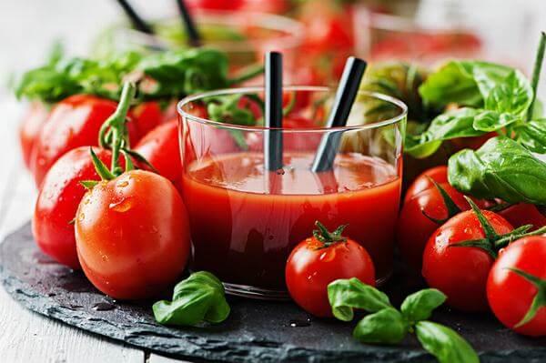 Nước ép cà chua sẽ ngon hơn rất nhiều nếu được để trong tủ lạnh