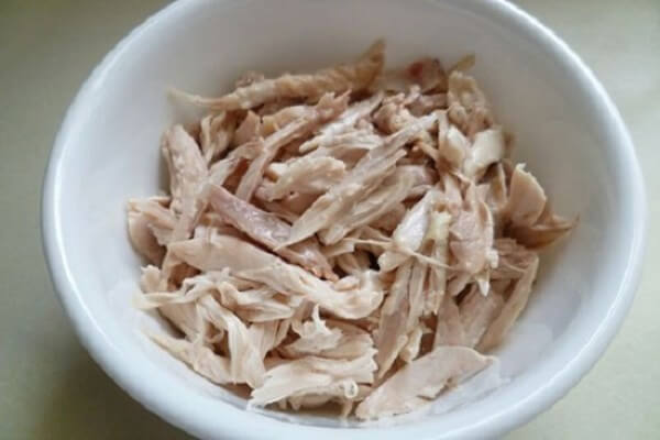 Thịt gà xé sợi – cách nấu súp gà