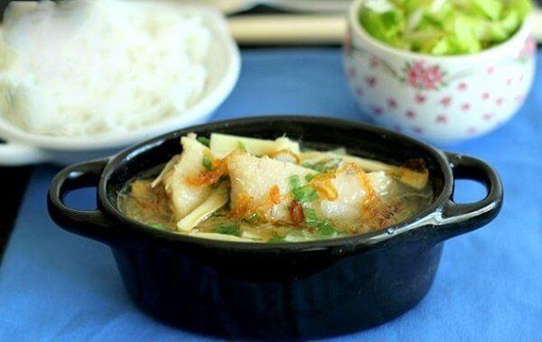 Bún vịt măng tươi là món ăn thanh mát
