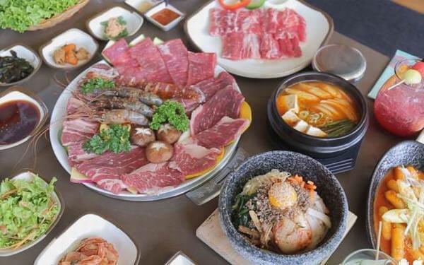 Các món này đều được gia giảm gia vị theo kiểu Hàn Quốc
