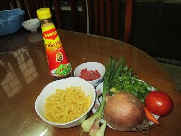 Cách làm thịt bò xào cà chua 1