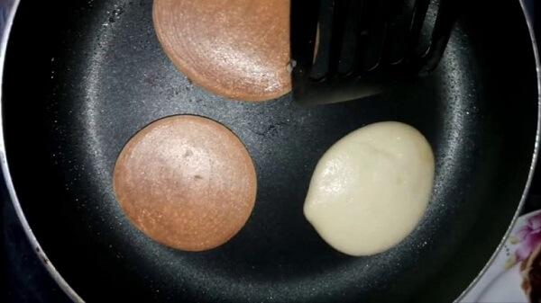 Cách làm bánh rán doraemon 4