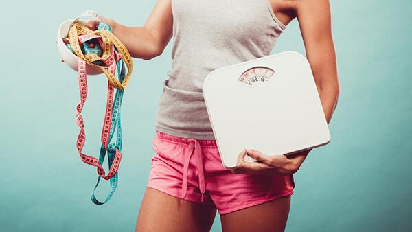Đặt những mục tiêu nhỏ và thực tế sẽ giúp nhanh đạt mục tiêu giảm cân (Ảnh: health.com)