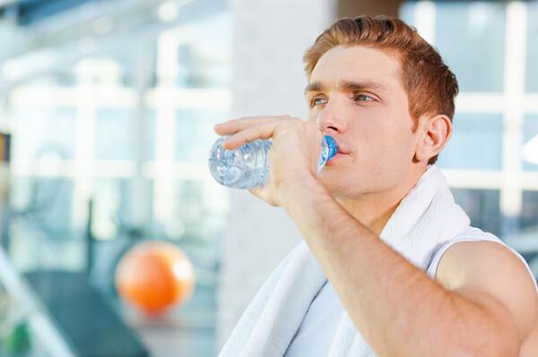 Uống nhiều nước - Ăn chay có giảm cân không, ăn chay giảm cân đúng cách như thế nào