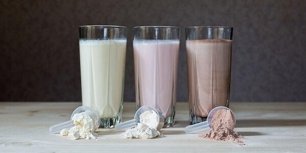 Sữa tăng cơ - nguồn dinh dưỡng cần thiết cho người tập thể hình (Ảnh: WikiRoid)