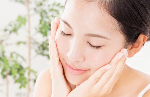 dầu dừa có thể đem đến những tác dụng tuyệt vời trong việc chăm sóc làn da của các cô gái