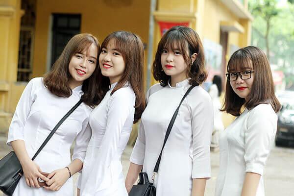 Các kiểu áo dài học sinh cấp 3 đẹp đón năm học mới.