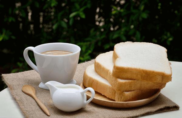 Một bữa ăn sáng hợp lí sẽ ngăn ngừa tình trạng tăng cân và cung cấp năng lượng làm việc