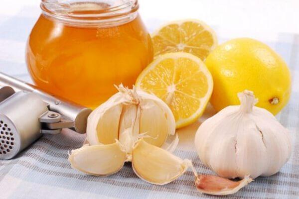 Hỗn hợp chanh, tỏi, mật ong cho hiệu quả giảm mỡ bụng rõ rệt