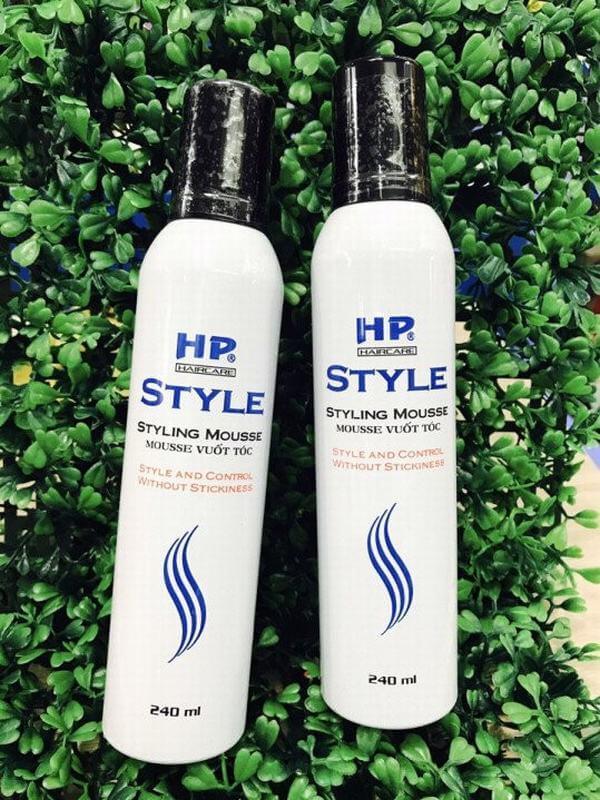 sản phẩm mousse là sản phẩm vuốt tóc ở dạng bọt màu trắng