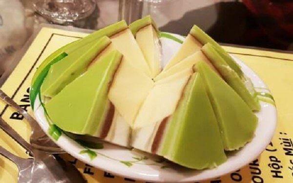 Thêm một chút bột trà xanh để biến tấu công thức lam caramen