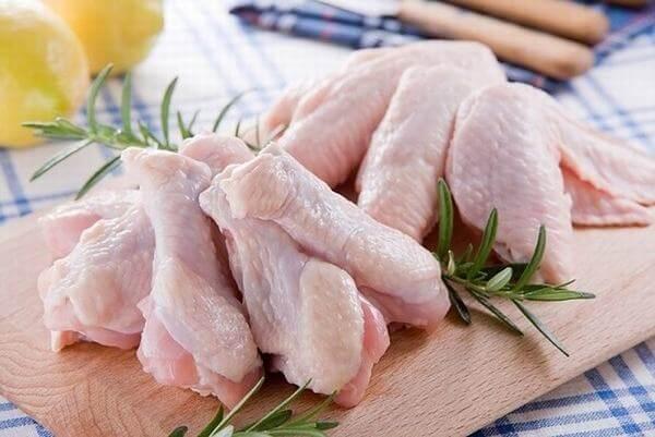 Nguyên liệu cho món gà luôn rất dễ chế biến nhất là với món nấu và hầm. Cách làm gà nấu nấm hương