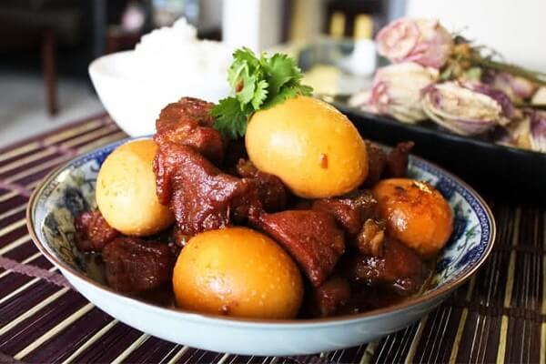 Hướng dẫn cách làm món thịt kho tàu bằng tiếng anh - how to cook thit kho tau