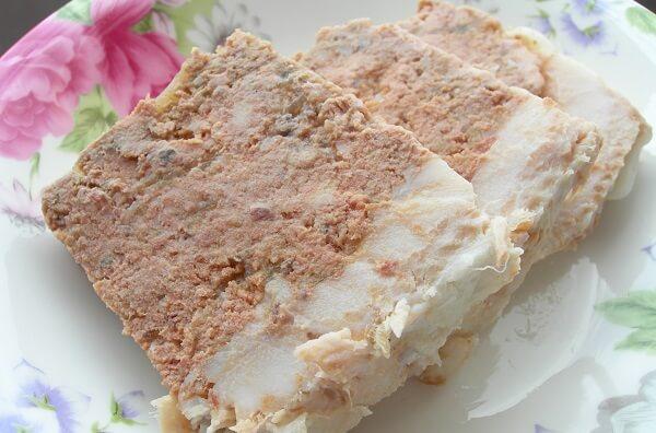 Pate chế biến từ gan và mỡ heo ăn mới bùi