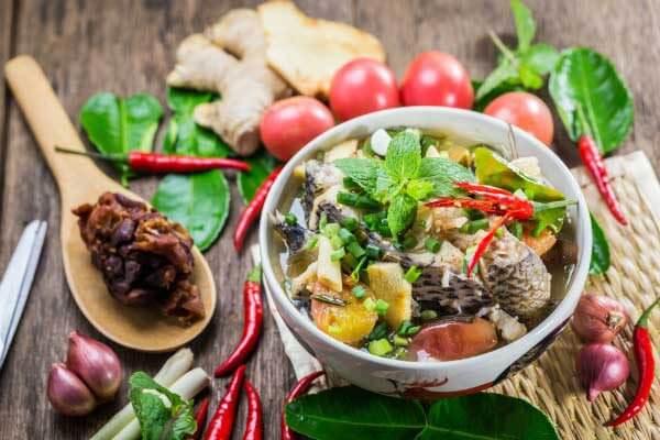 Thuyết minh trình bày cách nấu canh chua cá lóc bằng tiếng Anh
