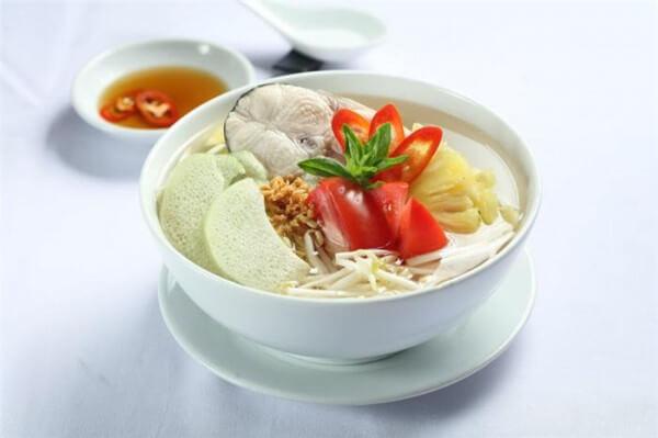 Cách nấu canh chua cá lóc thơm ngon chuẩn vị Nam Bộ