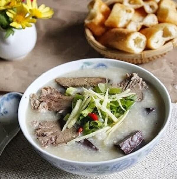 Cháo lòng là món ngon khoái khẩu của nhiều người Việt Nam