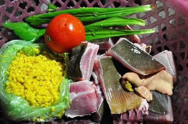 Nguyên liệu làm lẩu cá đuối nấu mẻ