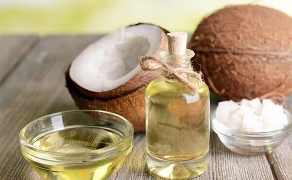 lưu ý khi dùng dầu dừa dưỡng tóc